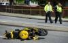 MOMENTUL în care un motociclist teribilist a lovit un pieton în plină viteză (VIDEO)
