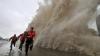 Taifunul Phanphone a lovit coasta Japoniei: Un om a murit, iar alte zeci de mii de persoane au fost evacutate