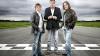 Prezentatorii celebrei emisiuni Top Gear au fost atacaţi cu pietre în Argentina