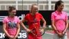 Campioanele tenisului mondial au jucat pentru copiii săraci din Singapore