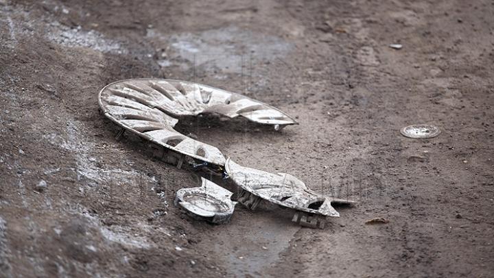 (FOTO) Carambol pe strada Florilor din Chişinău: Cinci maşini au fost avariate