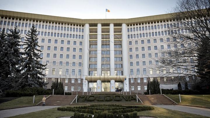 SONDAJ: Şase partide ar accede în viitorul Legislativ dacă duminica viitoare ar avea loc alegeri parlamentare