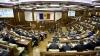 Minte sau spune adevărul? Specialiştii, despre stilul vestimentar şi abilităţile oratorice ale politicienilor moldoveni