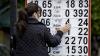 Ce cred oamenii despre prăbuşirea ratei de schimb a leului moldovenesc faţă de dolarul american
