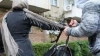 Minoră de 16 ani, agresată fizic şi jefuită în plină stradă. Atacatorul riscă ani grei de închisoare