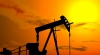 Preţul petrolului continuă să scadă la bursele internaţionale. Cum explică experţii fenomenul