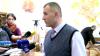 Războiul nervilor continuă în sala de şedinţe a Primăriei Chişinău. Liderul refugiaţilor refuză să se prezinte în judecată