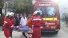 Intervenţie SMURD la Bălţi! Un bătrân de 82 de ani a căzut de la etajul doi al unui bloc (VIDEO)