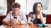 INFERNUL DIGITAL. Un studiu demonstrează că smartphone-ul distruge viaţa intimă a utilizatorilor