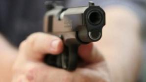 PANICĂ într-un local din sectorul Ciocana. Doi bărbaţi au dat buzna, fiind înarmaţi (VIDEO)