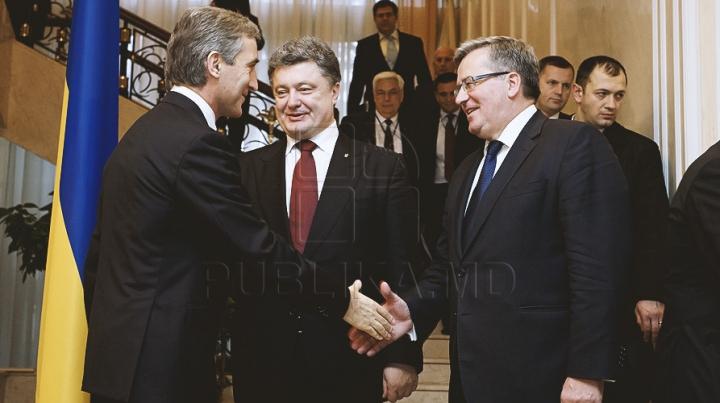 POZA ZILEI de la Reşedinţa de Stat! Elementul ce i-a unit pe Poroşenko, Komorowski şi Leancă