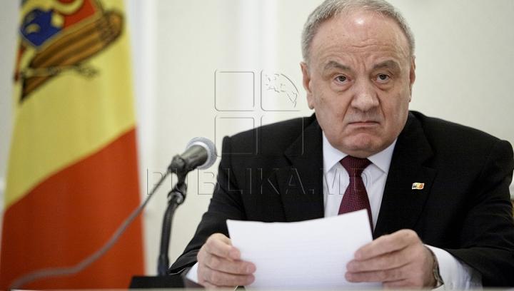 """Preşedintele Timofti a respins desemnarea a cinci judecători """"asupra cărora planează dubii privind integritatea"""""""