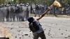 Violenţe în capitala Mexicului! Manifestanţii au distrus localuri şi au aruncat cocktailuri Molotov