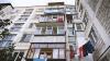 Un bărbat din capitală a ajuns la reanimare după ce a căzut de la etajul cinci