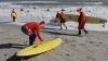 Sute de oameni au ales să sărbătorească Naşterea Domnului prin surfing şi bronzat