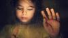 Măcinaţi de durere şi ţintuiţi la pat. Soarta cumplită a copiilor diagnosticaţi cu cancer (VIDEO)
