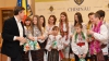 Colindători din stânga Nistrului au creat atmosferă de sărbătoare la Primăria Chişinău