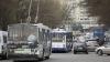 SCANDAL şi AMBUTEIAJ pe o stradă din Chişinău, după ce un automobil s-a lovit cu un troleibuz