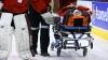 Accident groaznic pe gheaţă. Un jucător rus de hochei l-a făcut knock-out pe adversarul său (VIDEO)