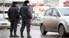 Belea pentru trei chişinăuieni. Poliţia a deconspirat lucrul murdar pe care-l făceau într-o maşină (VIDEO)