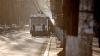 Autorităţile caută noi soluţii. Troleibuzele şi autobuzele nu fac față fluxului mare de pasageri (VIDEO)