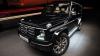 Cădere de milioane! Ce a păţit un SUV de lux într-un autoservice din Rusia (VIDEO)