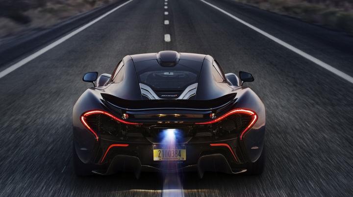 McLaren va construi 20 de exemplare P1 cu o caroserie realizată integral din fibră de carbon