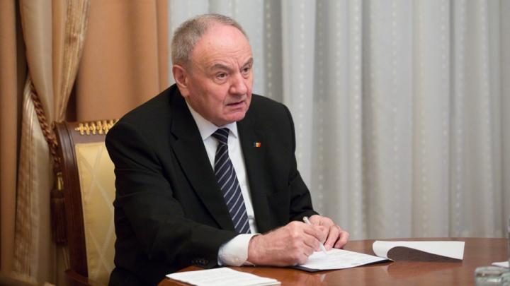 Şeful statului, Nicolae Timofti, a semnat decretele de numire în funcţie a trei judecători