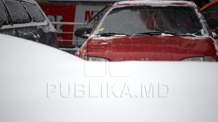 Iarna a pus stăpânire şi pe România. Meteorologii au emis Cod Roşu de ninsoare şi vânt