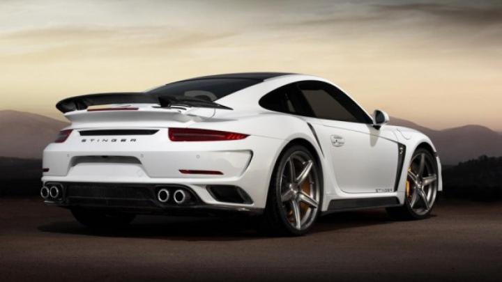 Ruşii cumpără din ce în ce mai multe vehicule Porsche, iar TopCar a creat un 911 Turbo S aurit