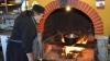 Cum se pregătesc călugării de la mănăstirea din Ţigăneşti să întâmpine Crăciunul (VIDEO)