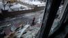 Tragedie la Doneţk. Un proiectil a nimerit într-o staţie de troleibuz aglomerată (VIDEO)