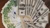 Euro şi dolarul ating cote tot mai înalte. Cursul valutar stabilit de BNM