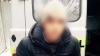 PRINS ÎN FLAGRANT! Un tânăr a fost scos de guler dintr-un troleibuz din Chişinău (VIDEO)