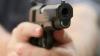 Împuşcături în capitală! Mai mulţi inspectori de patrulare au fost agresaţi de un grup de bărbaţi