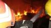 Incendiu în sectorul Rîşcani. Mai mulţi pompieri au mers la faţa locului (VIDEO)