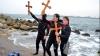 Catolicii şi ortodocşii pe stil nou au sărbătorit Botezul Domnului Iisus în Iordan (VIDEO)