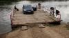 Râul Bâc, spălătorie pentru maşini. Nivelul de poluare a apei a atins cote maxime