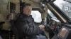 Poroşenko, în blindată. Preşedintele ucrainean testează tehnica pentru armată