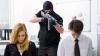 Un necunoscut a ALARMAT poliţia din Paris. Bărbatul a luat ostatici într-un oficiu poştal (VIDEO)