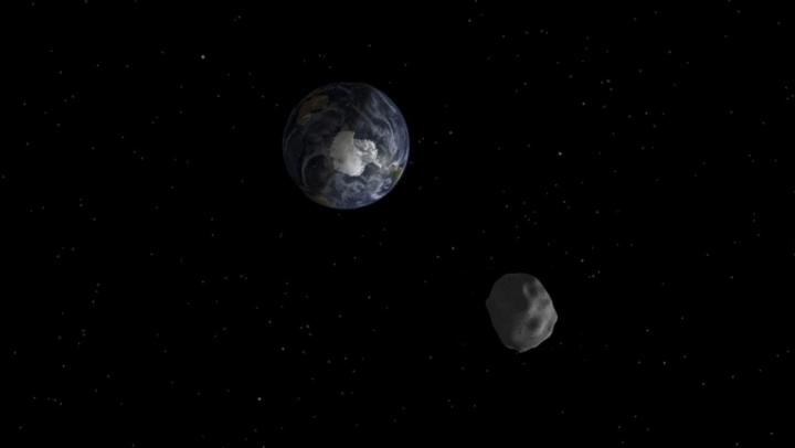 FENOMEN SPECTACULOS! Un asteroid cu diametrul de 500 de metri trece pe lângă Pământ (VIDEO)