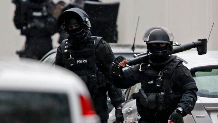 Tensiunile cresc în Franţa: Alte două explozii s-au produs noaptea trecută la Paris