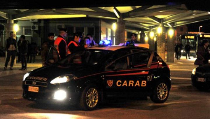 SCANDAL într-un bar din Italia: O moldoveancă A AMENINŢAT carabinierii