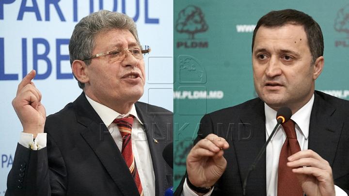În căutarea voturilor pentru noul Guvern! Apelul lui Filat către PL şi reacţia ironică a lui Ghimpu