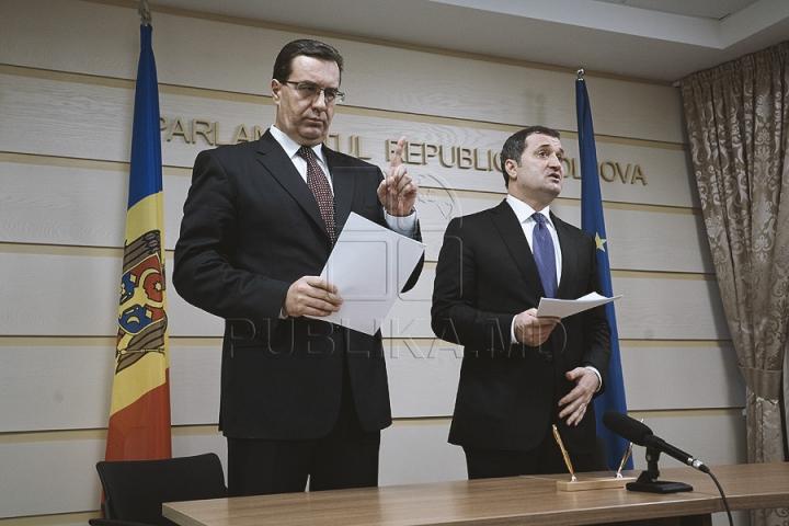 PDM şi PLDM au semnat Acordul de creare a Alianţei de guvernare
