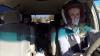 NEBUNIE curată! Cum este condus un monovolum de o americancă cu doi copii (VIDEO)