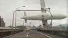 Primele concluzii: Motoarele avionului prăbuşit în Taiwan au ieşit din funcţiune