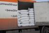 Captură IMPRESIONANTĂ. Vameşii au confiscat 10 tone de miez de nucă (VIDEO)