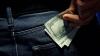CURS VALUTAR: Euro şi dolarul au atins un nou record