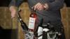 SONDAJ: Ce fac unii moldovenii cu vinul îmbuteliat pe care îl cumpără